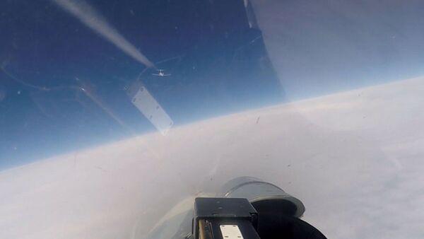 SU-27 perexvatil samoletы-razvedchiki NATO nad Baltikoy - Sputnik Oʻzbekiston