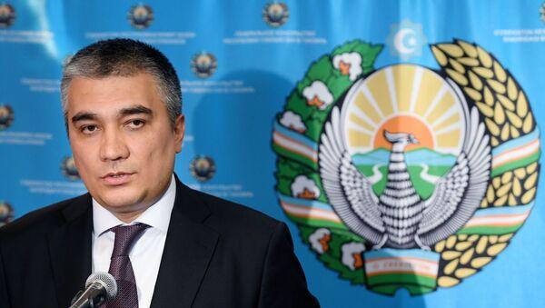 Посол Узбекистана в России Ботиржон Асадов во время открытия консульства Узбекистана в Казани - Sputnik Узбекистан