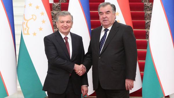 Mirziyoyev i Raxmon proveli peregovorы v Dushanbe - Sputnik Oʻzbekiston