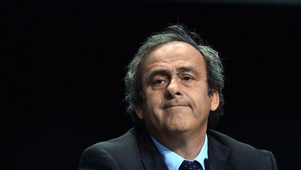 Пресс-конференция президента УЕФА МишеляПлатини - Sputnik Узбекистан