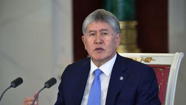 Президент Кыргызстана Алмазбек Атамбаев - Sputnik Узбекистан