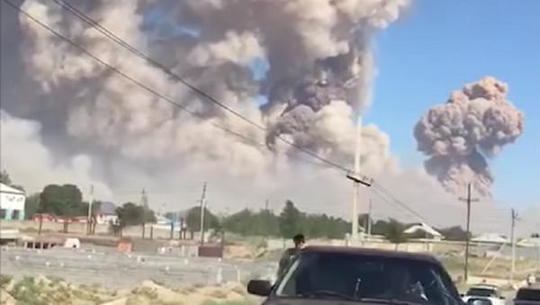 Серия взрывов в Казахстане: местных жителей эвакуируют - видео - Sputnik Ўзбекистон