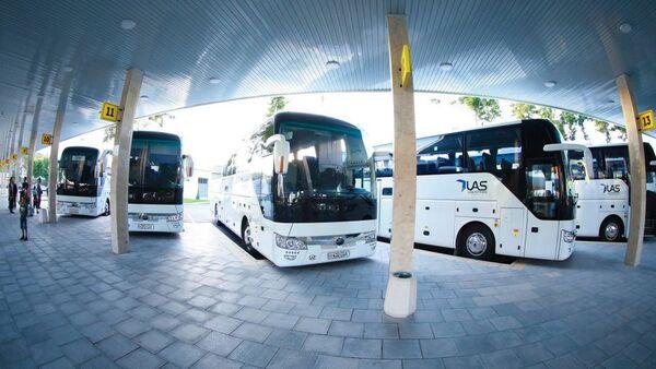 Автобусы, купленные у китайской компании Zhengzhou Yutong Bus - Sputnik Ўзбекистон