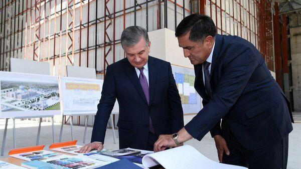 Шавкат Мирзиёев ознакомился с ходом строительства Центра исламской цивилизации  - Sputnik Ўзбекистон