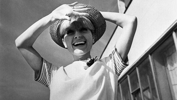 Реклама коллекции женской одежды. 1966 год - Sputnik Узбекистан