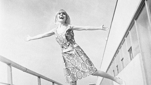 Реклама коллекции женской одежды. 1966 год - Sputnik Ўзбекистон