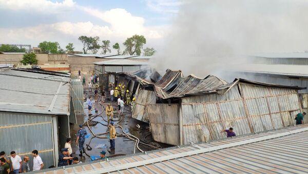 Несколько кафе и склад: серия ужасных пожаров в Ташкенте - видео - Sputnik Узбекистан