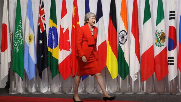 Premyer-ministr Velikobritanii Tereza Mey na sammite G20 v Osake - Sputnik Oʻzbekiston