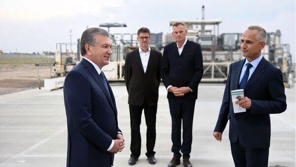 Президент Шавкат Мирзиёев ознакомился со строительством нового аэропорта - Sputnik Ўзбекистон