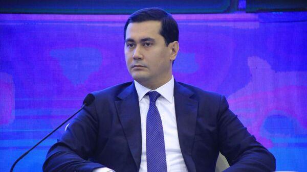Министр по инвестициям и внешней торговли Сардор Умурзаков - Sputnik Узбекистан