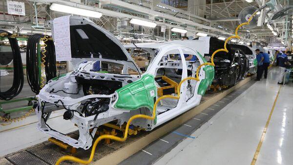 Производство автомобилей на заводе Узавтомоторс - Sputnik Ўзбекистон
