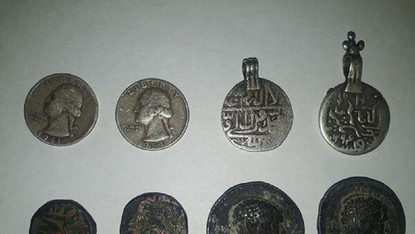 В Узбекистане пытались вывезти древние монеты в Афганистан - Sputnik Узбекистан