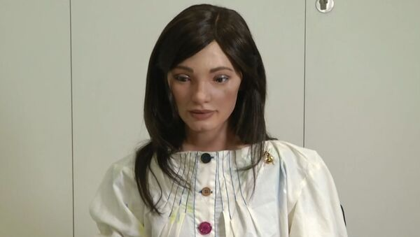 Ай-Да – первый в мире робот-художник. - Sputnik Узбекистан