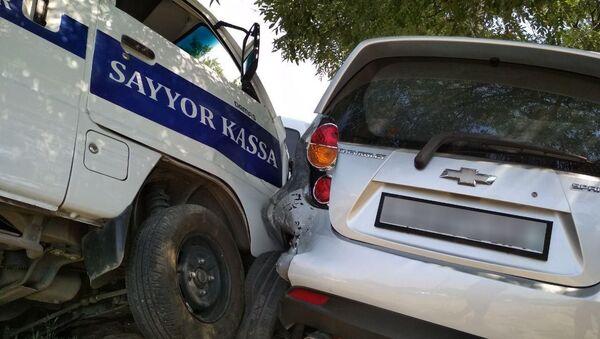 ДТП в Ташкенте: пострадало 4 автомобиля - Sputnik Ўзбекистон
