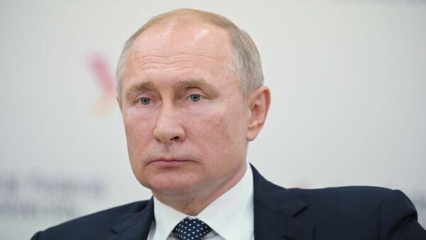 Rabochaya poyezdka prezidenta RF V. Putina v Yekaterinburg - Sputnik Oʻzbekiston