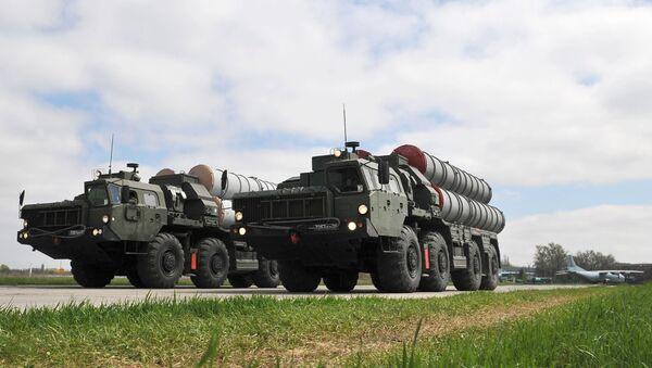 Зенитные ракетные комплексы C-400 - Sputnik Узбекистан