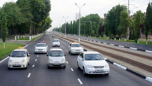 Avtomobillar harakati - Sputnik Oʻzbekiston