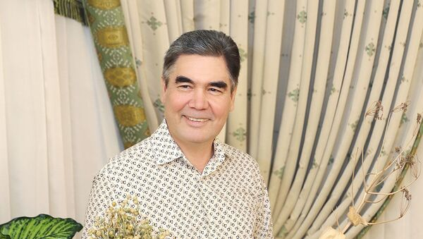 Книги, чай и котята: как проводит отпуск президент Туркменистана - видео - Sputnik Узбекистан