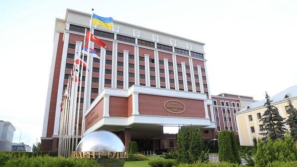 На Донбасе объявили о бессрочном перемирии - видео - Sputnik Узбекистан