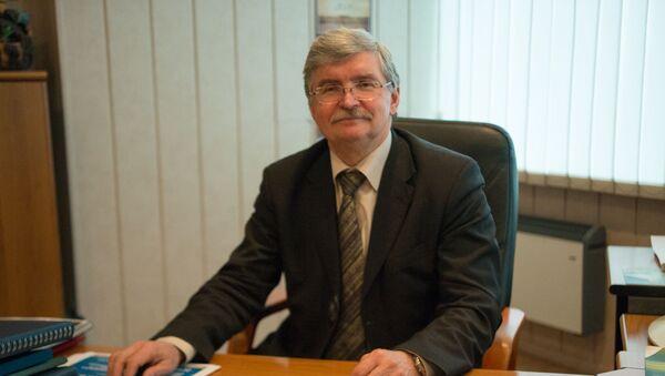 Заслуженный энергетик РФ, доктор технических наук, директор НОЦ Возобновляемые виды энергии и установки на их основе  Виктор Елистратов - Sputnik Узбекистан