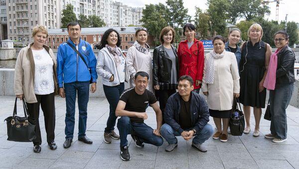 Uchitelya iz Uzbekistana v Moskve - Sputnik Oʻzbekiston