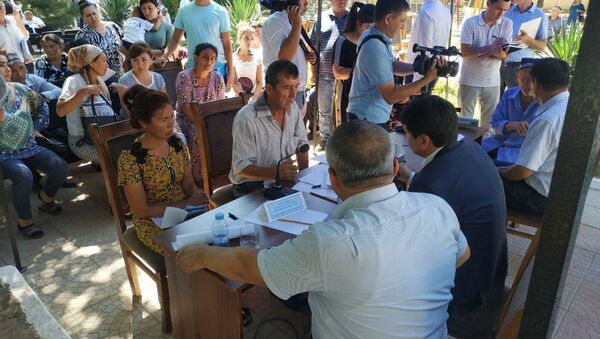 Представители администрации президента Узбекистана рассмотрели обращения граждан - Sputnik Ўзбекистон