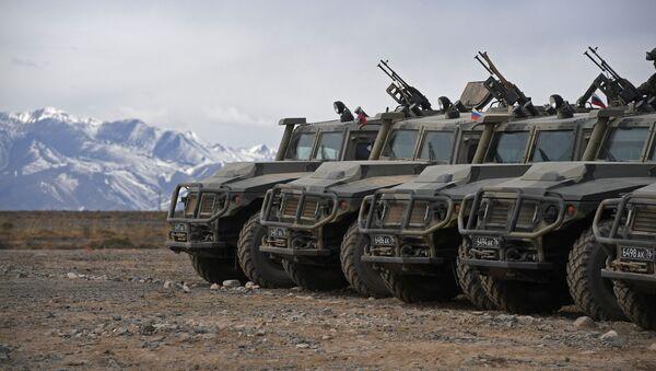 Бронеавтомобили Тигр  - Sputnik Узбекистан