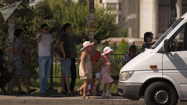 Остановка в Бишкеке. Архивное фото - Sputnik Ўзбекистон