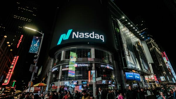 Здание американской биржи NASDAK в Нью-Йорке - Sputnik Узбекистан
