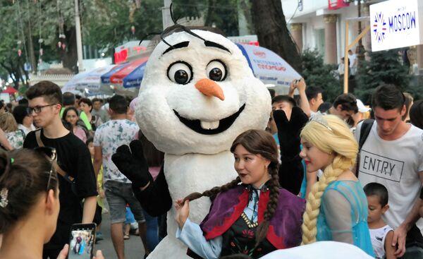 Фестиваль мороженого впервые проходит в Ташкенте - Sputnik Узбекистан