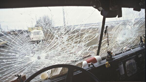 Разбитое стекло. Архивное фото - Sputnik Ўзбекистон