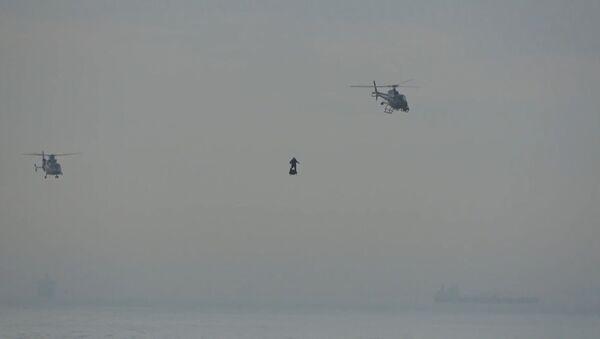 Француз пересек Ла-Машн на самодельной летающей доске - Sputnik Узбекистан
