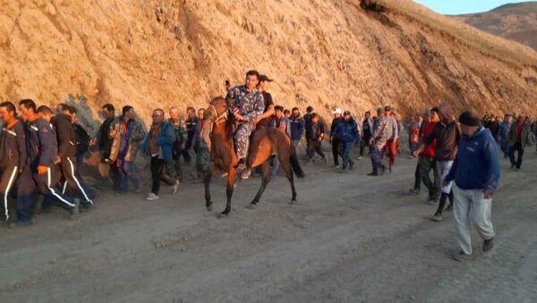 Жители утроили митинг против китайской в Кыргызстане — видео - Sputnik Узбекистан