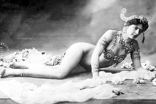 Танцовщица Мата Хари, 1906 год - Sputnik Узбекистан