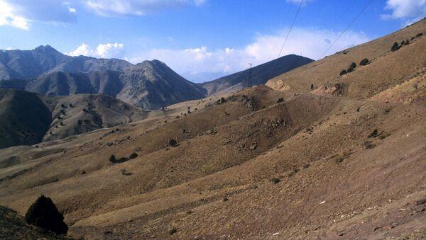 Перевал Камчик в Тянь-Шане - Sputnik Узбекистан