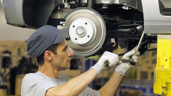 Сборка автомобилей Citroen С4 на заводе концерна PSA Peugeot-Citroen - Sputnik Узбекистан