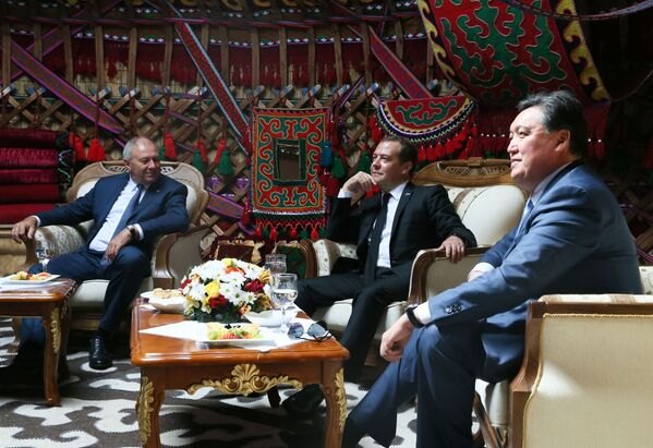 Премьер-министр РФ Д. Медведев принял участие в заседании Евразийского межправительственного совета стран ЕАЭС - Sputnik Узбекистан