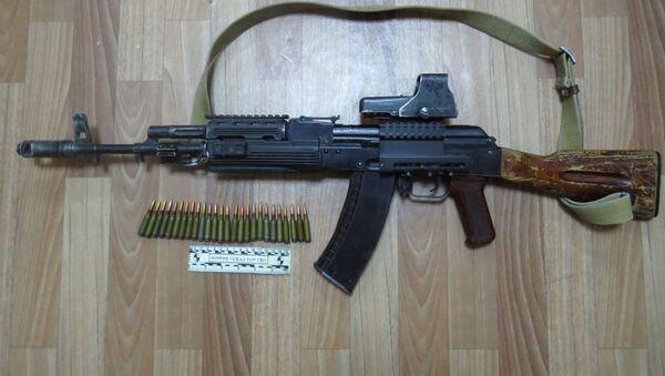 У дома Атамбаева нашли автомат Калашникова - Sputnik Узбекистан