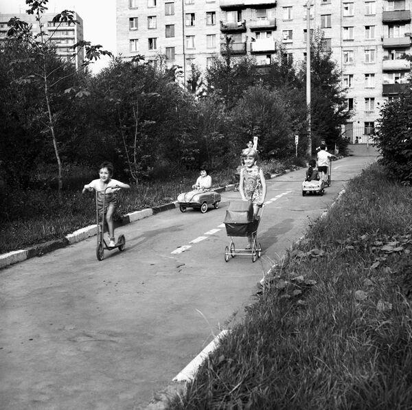 Учим правила движения. 1967 год - Sputnik Узбекистан