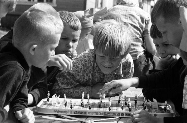 Настольный футбол. 1973 год - Sputnik Узбекистан