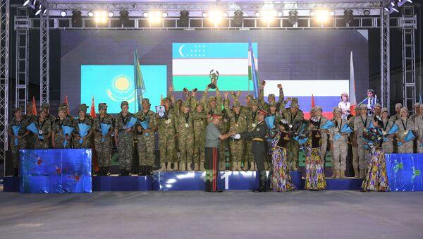 Церемония награждения на конкурсе Военно-медицинская эстафета АрМИ-2019 - Sputnik Узбекистан