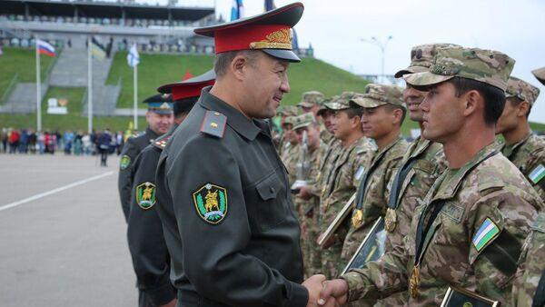 Генерал-майор Бахадыр Курбанов, министр обороны РУз - Sputnik Ўзбекистон