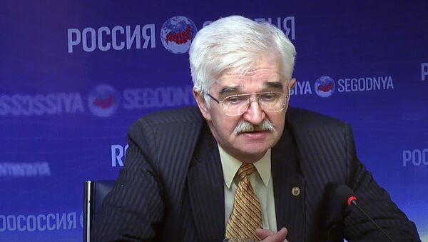 Эксперт по геополитике, член-корреспондент Российской академии естественных наук          Константин Соколов - Sputnik Узбекистан