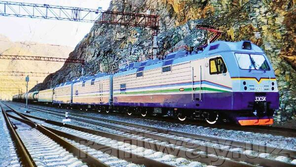 Поезд Ташкент-Андижан застрял в Ангрене из-за сбоя электричества - Sputnik Узбекистан