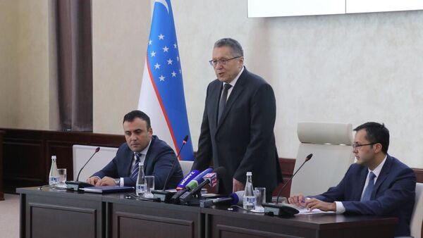 Глава Центрального банка Узбекистана Мамаризо Нурмуратов - Sputnik Узбекистан