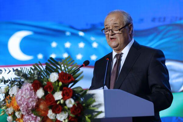 Министр иностранных дел Республики Узбекистан Абдулазиз Камилов выступил с речью на церемонии открытия нового посольства Республики Узбекистан в Пекине - Sputnik Узбекистан