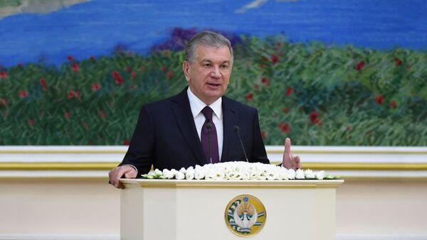 Мирзиёев: Категорически запрещено выполнение прогноза за счет взимания предоплаты - Sputnik Узбекистан