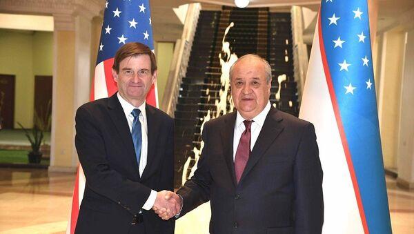 Камилов провел переговоры с заместителем госсекретаря США - Sputnik Узбекистан