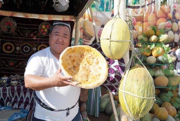 Фестиваль дыни в Гулистане - Sputnik Узбекистан