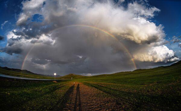 Радуга в одном из поселений Монголии - Sputnik Узбекистан